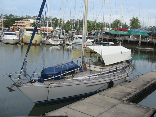 callisto moored at pontoon G in Boat Lagoon