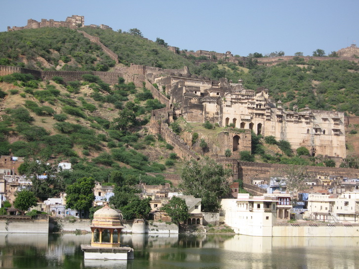 View of Bundi Palace and castle
