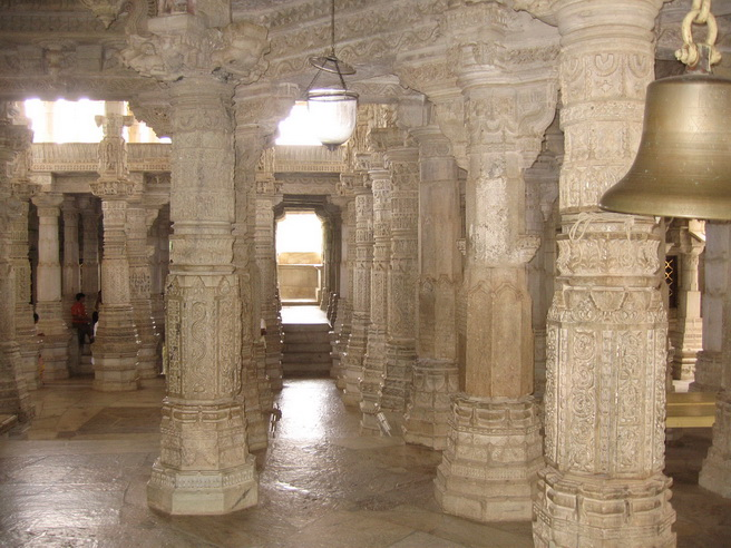 Columns in the Jain temple.